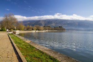 Βόλτα στη λίμνη των Ιωαννίνων