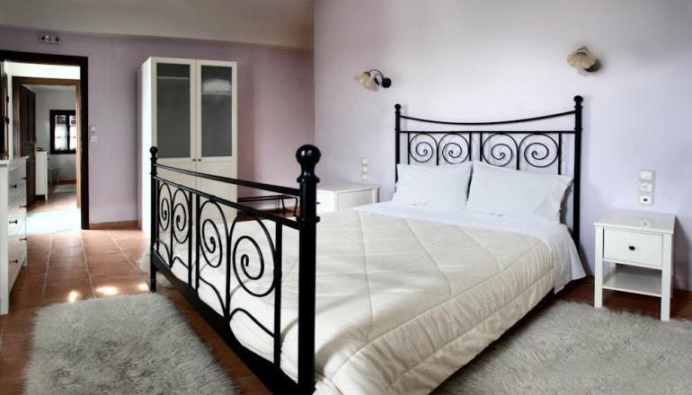 129€ από 258€ ( Έκπτωση 50%) KAI για τις 3 ημέρες / 2 διανυκτέρευση ΚΑΙ για τα 2 Άτομα ΚΑΙ 2 Παιδιά έως 12 ετών στην Πορταριά Πηλίου, σε Family Apartment με Πλούσιο Πρωινό στο Erofili Four Seasons Hotel! Παρέχεται Early check in και Late check out κατόπιν διαθεσιμότητας! Για όσους διαμείνουν από Κυριακή έως Πέμπτη δίδεται άλλη μια διανυκτέρευση Δωρεάν με Πρωινό! Υπάρχει δυνατότητα επιπλέον διανυκτέρευσης! Διατίθεται ειδική προσφορά ΚΑΙ για τα Χριστούγεννα, την Πρωτοχρονιά και τα Φώτα! εικόνα