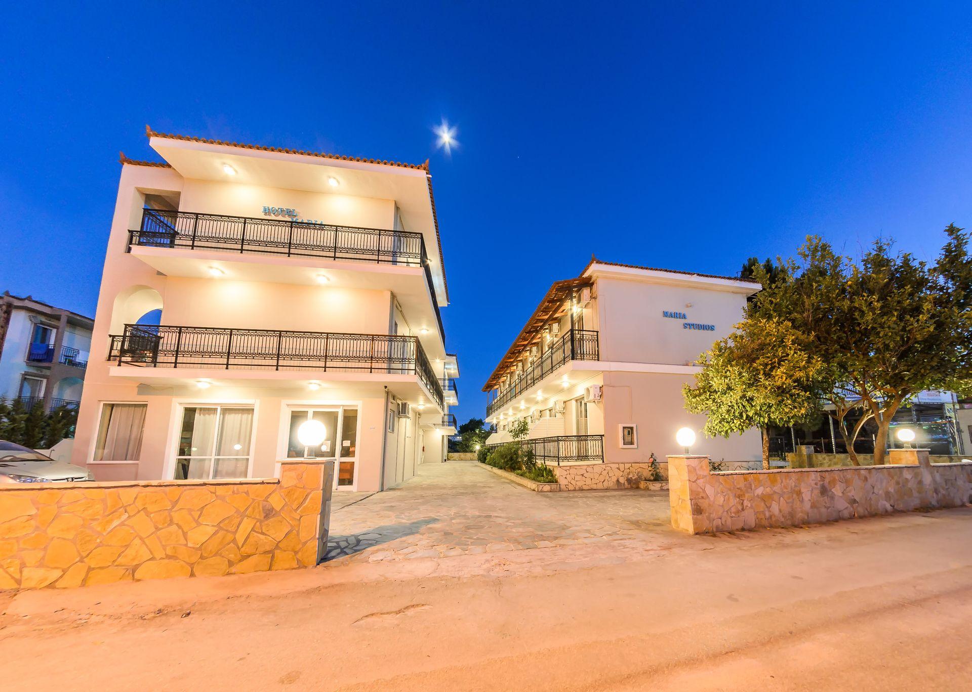 Maria Studios & Apartments Zakynthos – Ζακυνθος ✦ 3 Ημερες (2 Διανυκτερευσεις) ✦ 2 Άτομα ✦ Χωρις Πρωινο ✦ εως 31/07/2019 ✦ Ξαπλωστρες & Ομπρελες Πισινας