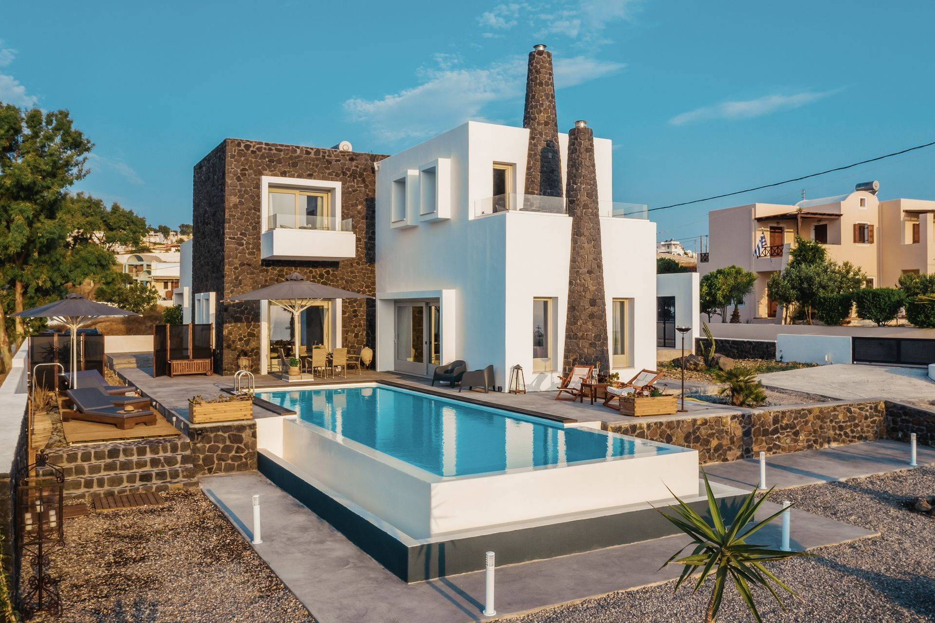 Kaminos Luxury Villa Santorini - Σαντορινη ✦ 3 Ημερες (2 Διανυκτερευσεις) ✦ 6 ατομα ✦ Χωρις Πρωινο ✦ εως 30/09/2019 ✦ Ξαπλωστρες & Ομπρελες