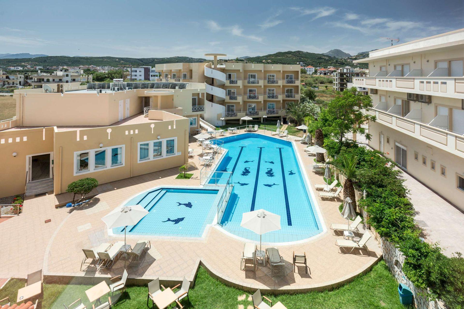 Sunny Bay Hotel- Xανιά, Κρήτη ✦ 2 Ημέρες (1 Διανυκτέρευση) ✦ 2 άτομα + 1 παιδί έως 11 ετών ✦ Χωρίς Πρωινό ✦ 11/09/2020 έως 30/09/2020 ✦ Free WiFi