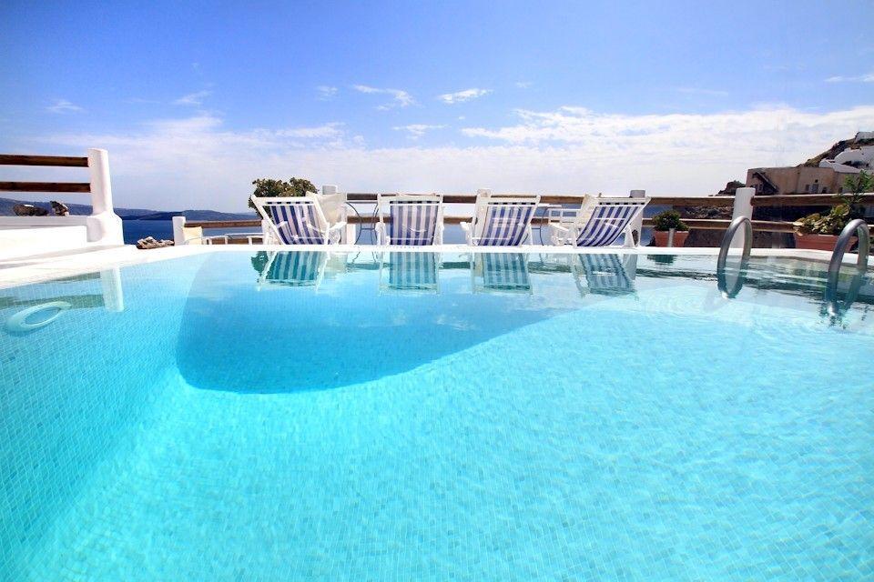 Caldera Premium Villas - Σαντορίνη ✦ 2 Ημέρες (1 Διανυκτέρευση) ✦ 2 άτομα ✦ Πρωινό ✦ 01/09/2020 έως 22/09/2020 ✦ Υπέροχη Τοποθεσία!