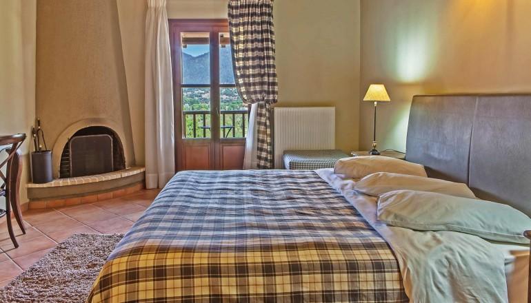 Grand Vytina Hotel & Suites - Βυτίνα   -50%   4 Ημέρες (3 Διανυκτερεύσεις)   2 Άτομα ΚΑΙ ένα Παιδί έως 6 ετών   Πρωινό   έως 15/09/2019   <strong>Επιπλέον 1 Διανυκτέρευση ΔΩΡΟ και 10% €πιστροφή Eurobank</strong>