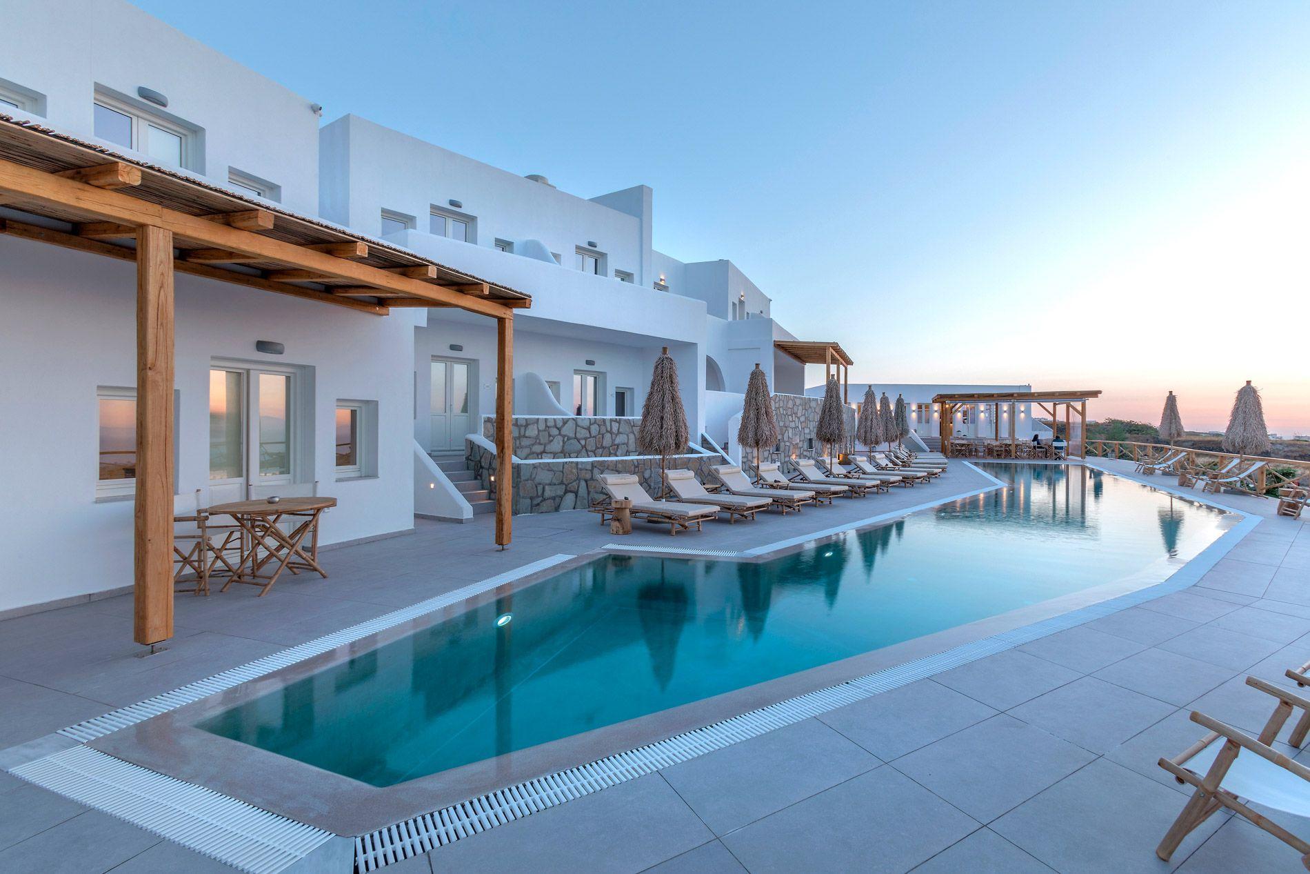 5* View Hotel by Secret Santorini - Σαντορίνη ✦ 2 Ημέρες (1 Διανυκτέρευση) ✦ 2 άτομα ✦ Πρωινό ✦ 10/07/2020 έως 30/09/2020 ✦ Free WiFi!