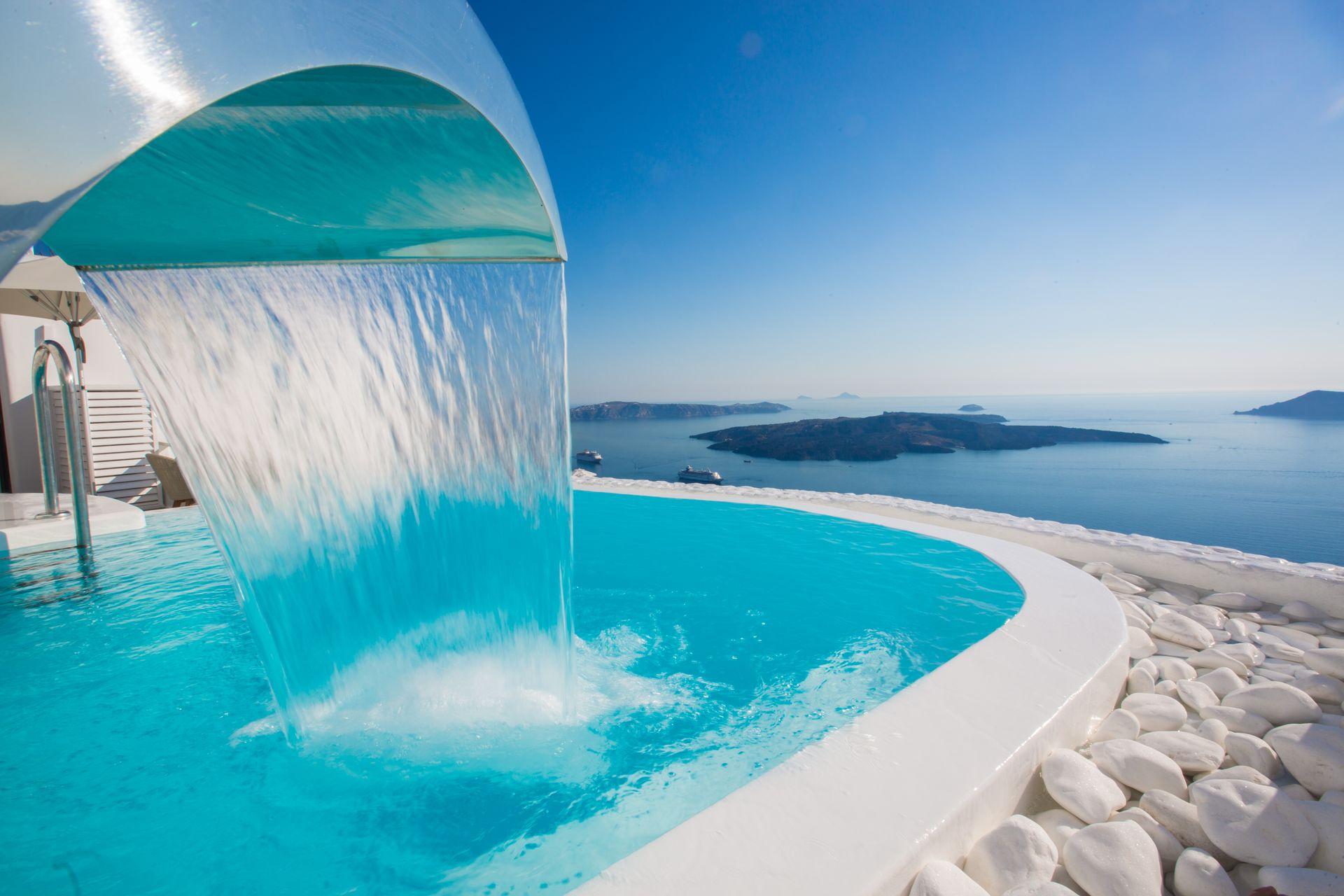 Chic Hotel Santorini - Σαντορίνη ? 2 Ημέρες (1 Διανυκτέρευση) ? 2 άτομα ? Πρωινό ? 01/05/2020 έως 14/05/2020 ? Free Wi-Fi