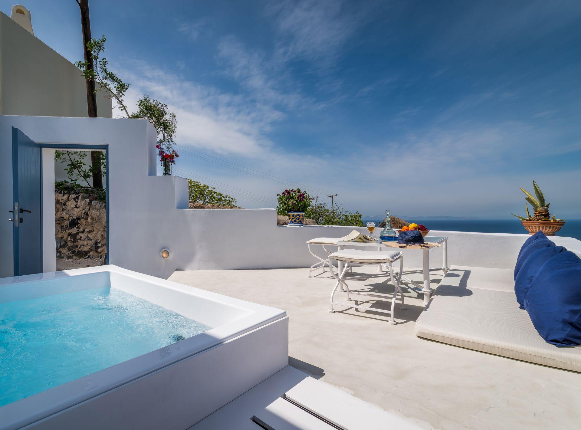 Fava Eco Residences Santorini – Σαντορινη ✦ -30% ✦ 2 Ημερες (1 Διανυκτερευση) ✦ 2 Άτομα ΚΑΙ ενα Παιδι εως 6 ετων ✦ Πρωινο ✦ 01/09/2018 εως 30/09/2018 ✦ Κοντα στην Παραλια!