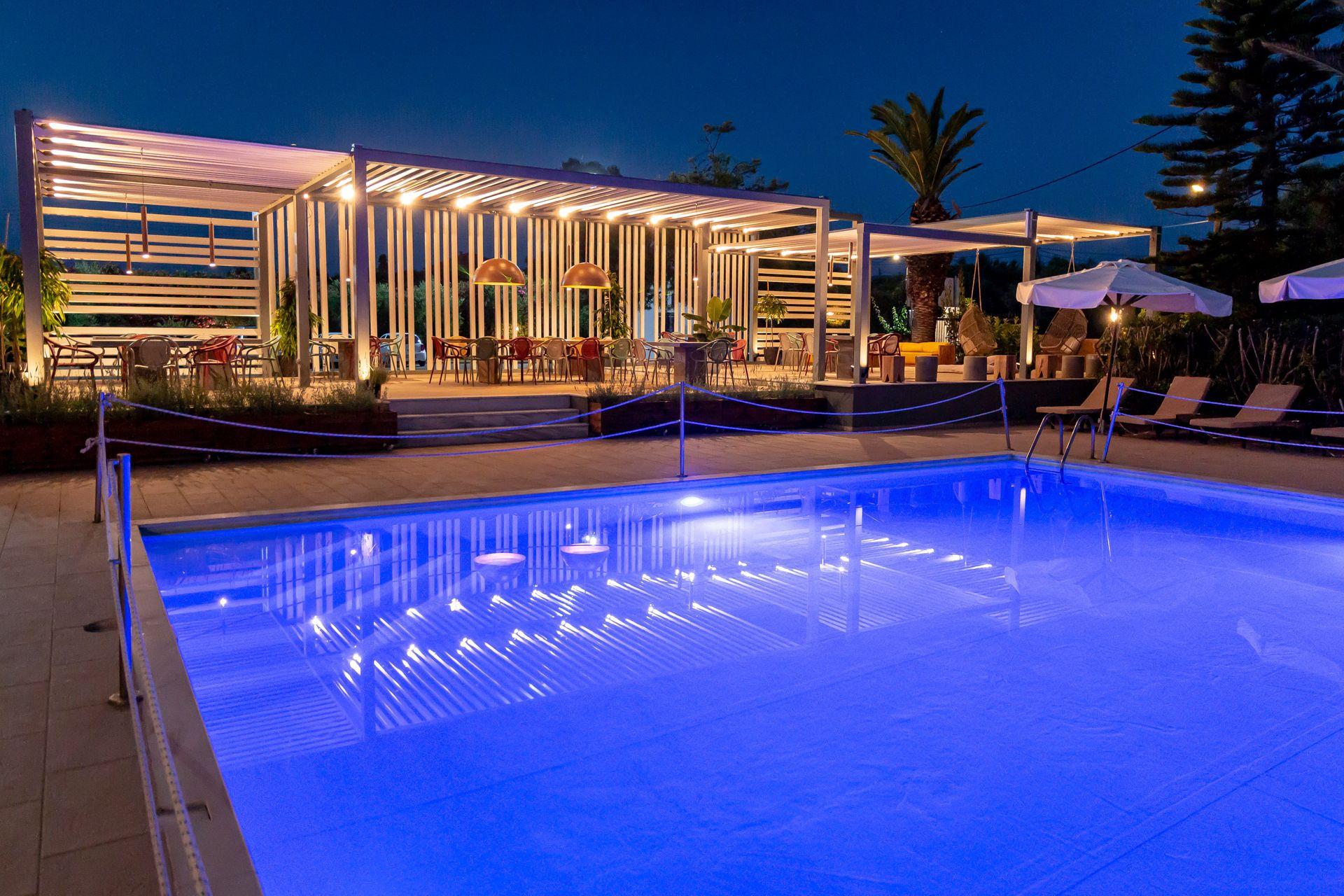 4* Apollo Resort Art Hotel - Κυπαρισσία ✦ 2 Ημέρες (1 Διανυκτέρευση) ✦ 2 άτομα ✦ Χωρίς Πρωινό ✦ 01/09/2020 έως 30/09/2020 ✦ Free WiFi