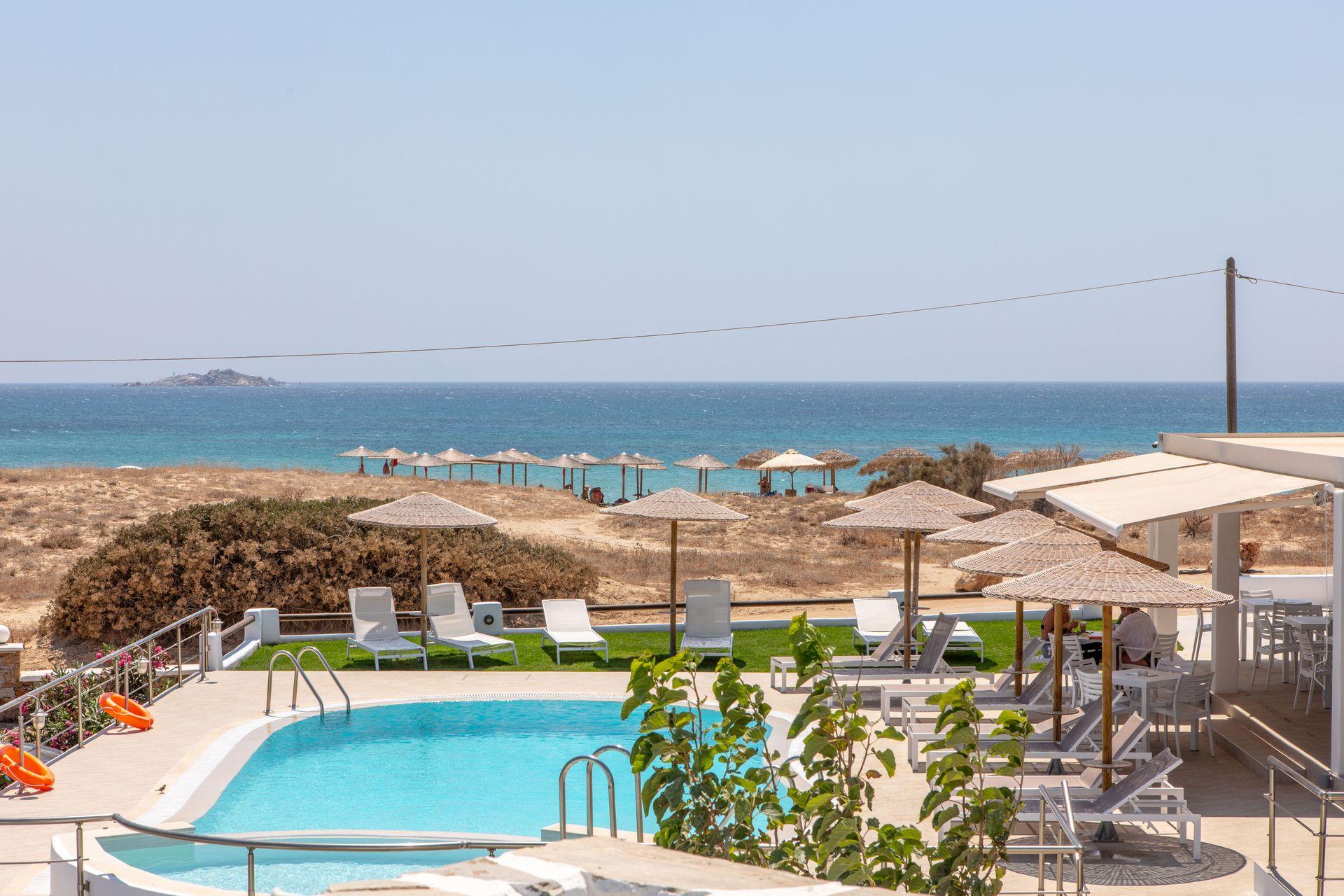 Golden Sand - Νάξος ✦ -15% ✦ 4 Ημέρες (3 Διανυκτερεύσεις) ✦ 2 άτομα ✦ Πρωινό ✦ 01/07/2021 έως 31/08/2021 ✦ Μπροστά στην παραλία!