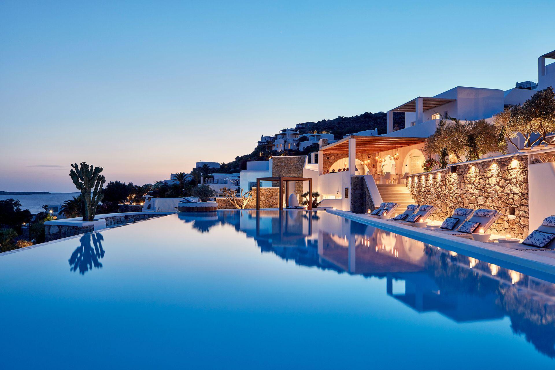 5* Katikies Mykonos, The Leading Hotels of the World - Μύκονος ✦ 2 Ημέρες (1 Διανυκτέρευση) ✦ 2 άτομα ✦ Πρωινό ✦ 30/08/2020 έως 12/09/2020 ✦ Υπέροχη Τοποθεσία!