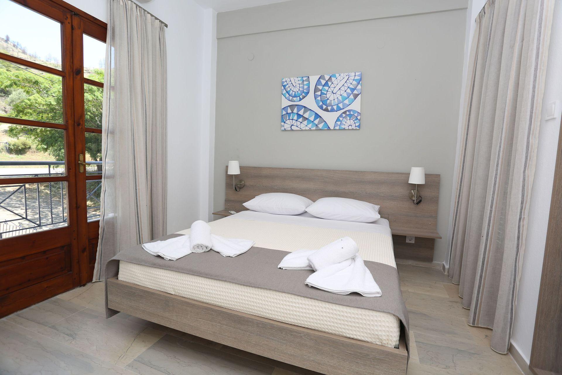 Astron Hotel - Μόλα Καλύβα, Χαλκιδική ✦ 2 Ημέρες (1 Διανυκτέρευση) ✦ 2 άτομα ✦ Πρωινό ✦ 01/09/2021 έως 30/09/2021 ✦ Κοντά στην παραλία!