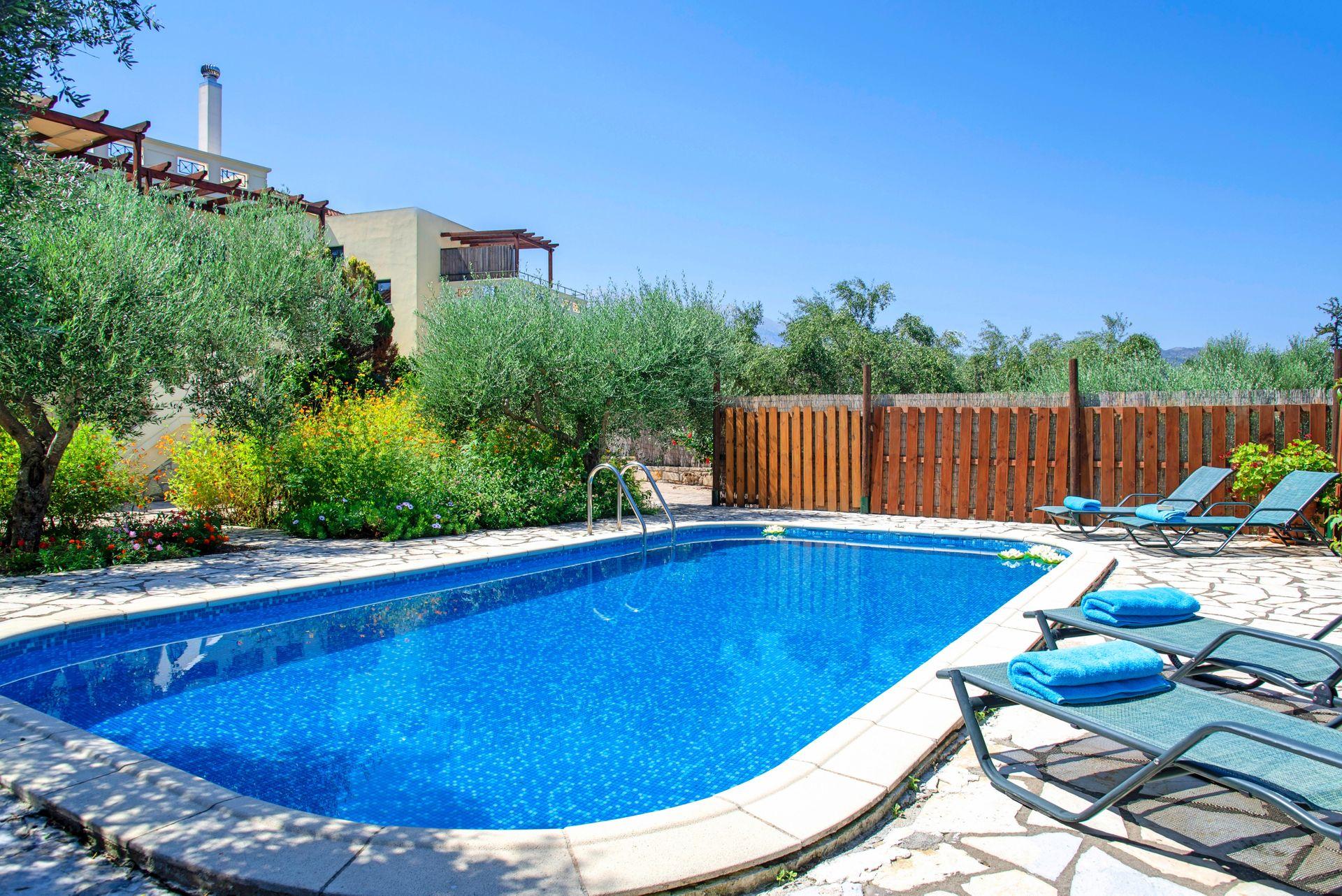 Sentido Villas - Χανιά, Κρήτη ✦ 7 Ημέρες (6 Διανυκτερεύσεις) ✦ 8 άτομα ✦ Χωρίς Πρωινό ✦ 01/09/2021 έως 30/09/2021 ✦ Με Ιδιωτική Πισίνα!