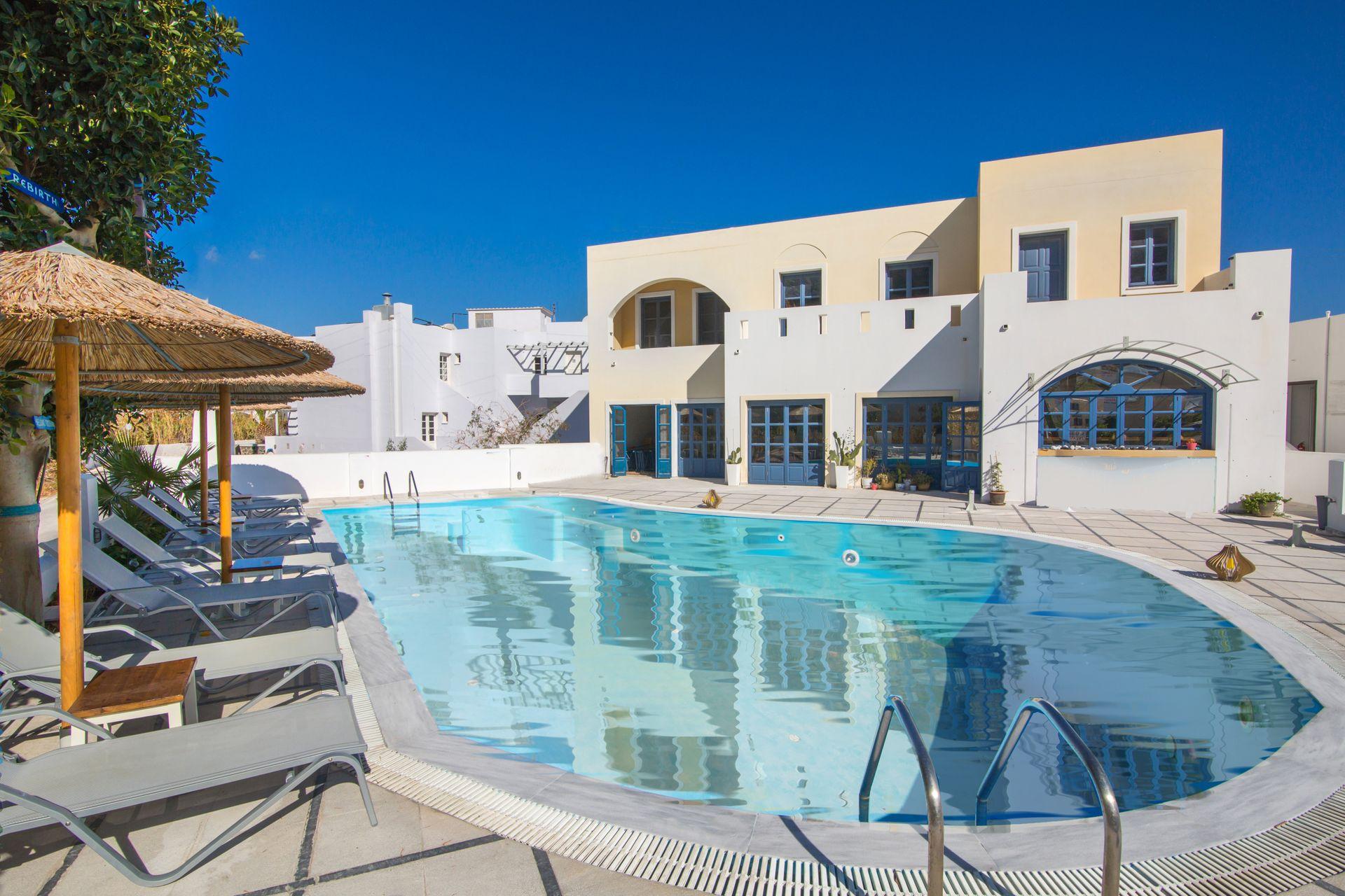 Sunshine Hotel - Σαντορίνη ✦ 3 Ημέρες (2 Διανυκτερεύσεις) ✦ 2 άτομα ✦ Πρωινό ✦ 01/09/2020 έως 30/09/2020 ✦ Υπέροχη Τοποθεσία!