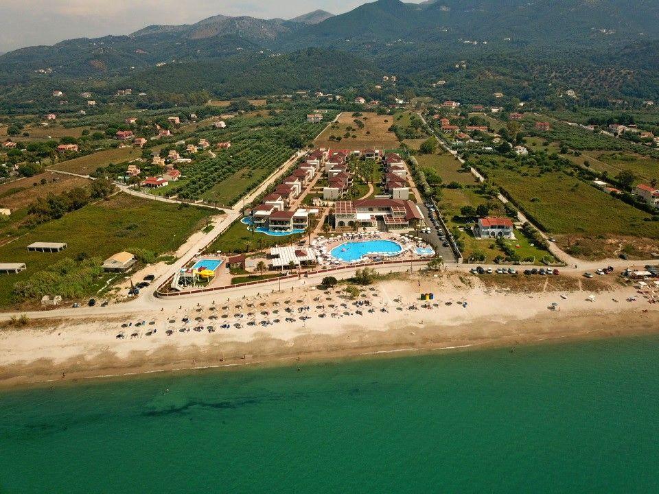 5* Almyros Beach Resort & Spa - Κέρκυρα ✦ 2 Ημέρες (1 Διανυκτέρευση) ✦ 2 άτομα + 1 παιδί έως 11 ετών ✦ All Inclusive ✦ 01/09/2021 έως 30/09/2021 ✦ Μπροστά στην Παραλία!