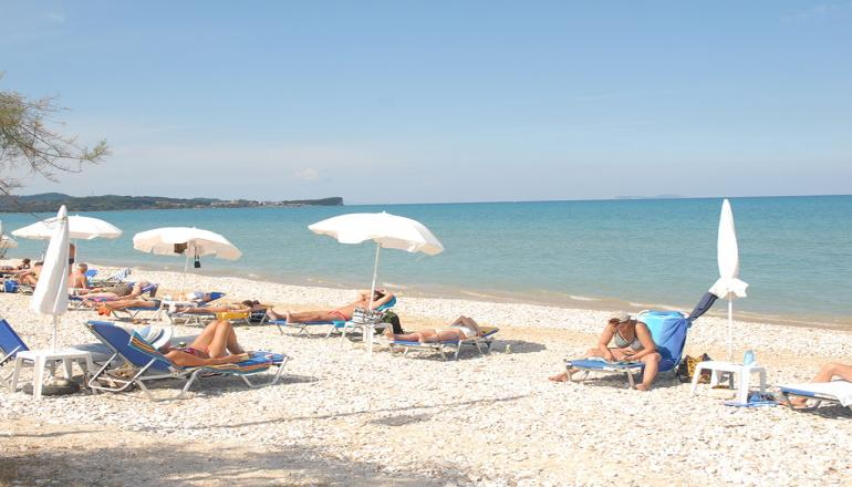 Αποδραστε στην Κερκυρα για 6 ημερες / 5 διανυκτερευσεις KAI για τα 2 Άτομα, με Ημιδιατροφη (Πρωινο και Βραδινο σε Μπουφε) σε Double Room 10μ απο την παραλια, στο Kormoranos Beach Hotel! Υπαρχει δυνατοτητα επιπλεον διανυκτερευσεων!