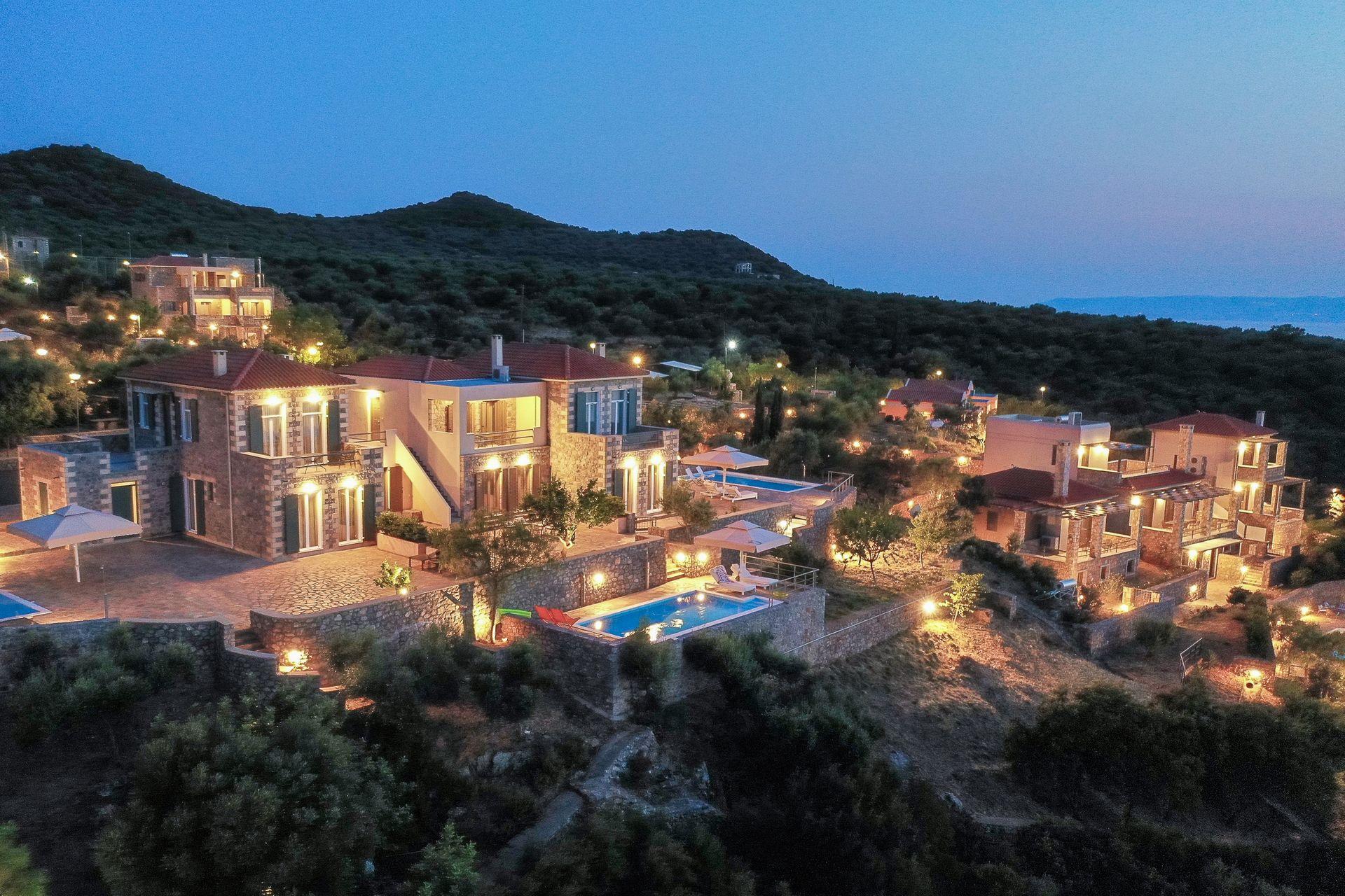 Searocks Exclusive Villas Resort Messinia - Μάνη, Πελοπόννησος ✦ -20% ✦ 3 Ημέρες (2 Διανυκτερεύσεις) ✦ 4 άτομα ✦ Πρωινό ✦ 14/05/2021 έως 30/06/2021 ✦ Υπέροχη Τοποθεσία!