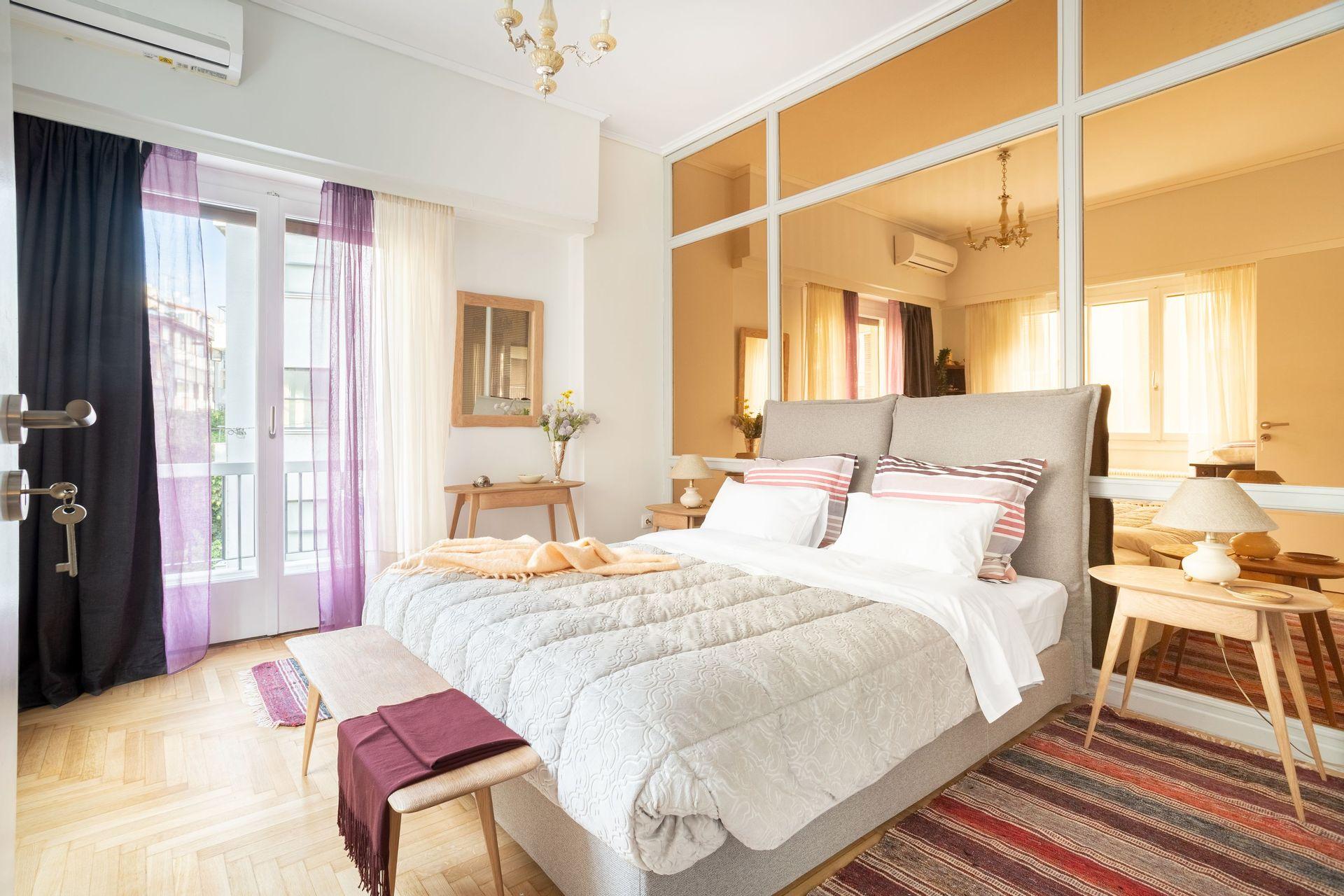 Athenian Homes - Αθήνα ✦ 2 Ημέρες (1 Διανυκτέρευση) ✦ 2 άτομα ✦ Χωρίς Πρωινό ✦ έως 31/08/2022 ✦ Υπέροχη Τοποθεσία!