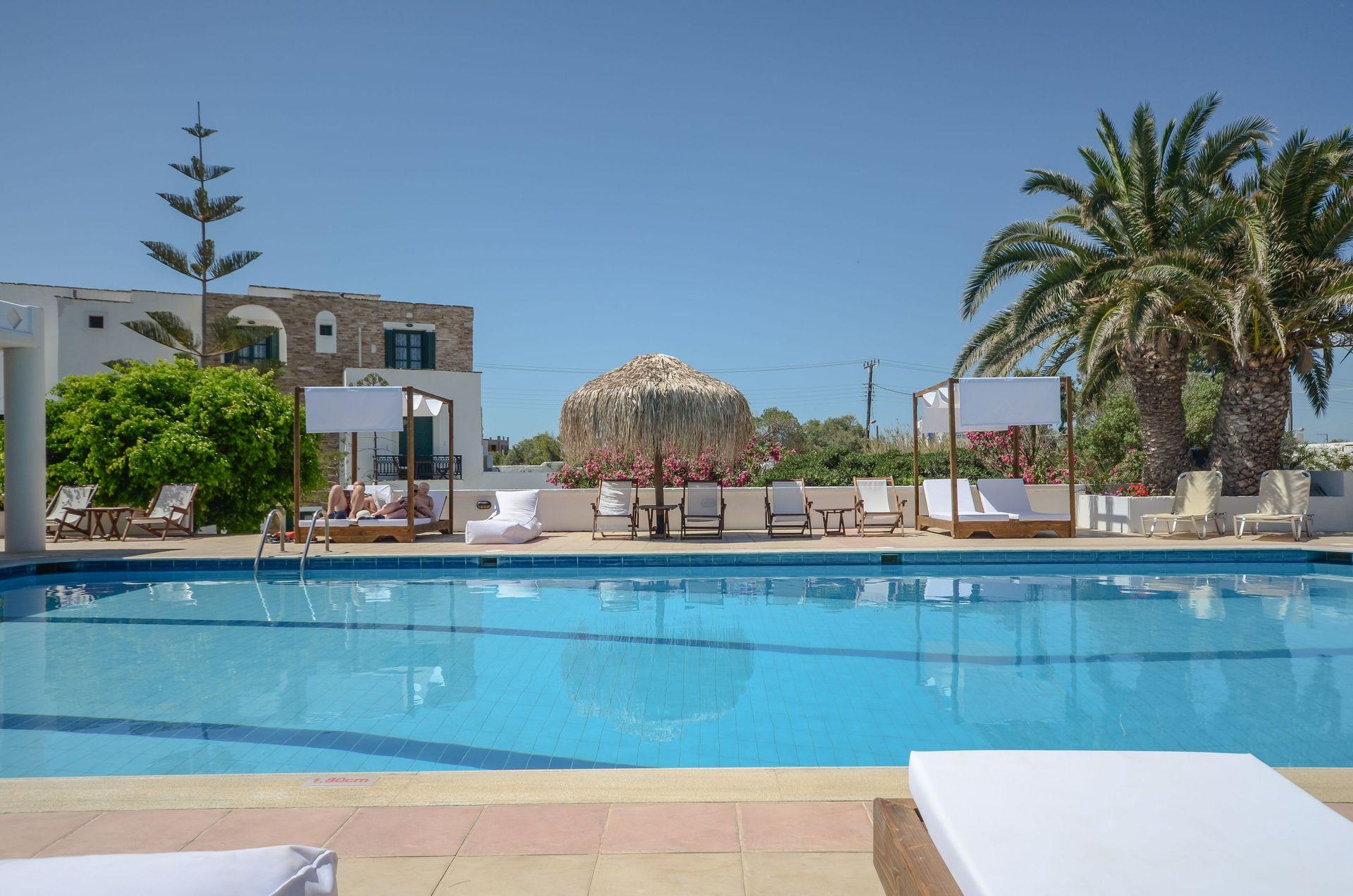 Naxos Beach Hotel - Νάξος ✦ 2 Ημέρες (1 Διανυκτέρευση) ✦ 2 άτομα + 1 παιδί έως 2 ετών ✦ Χωρίς Πρωινό ✦ 01/07/2021 έως 31/08/2021 ✦ Κοντά σε Παραλία!