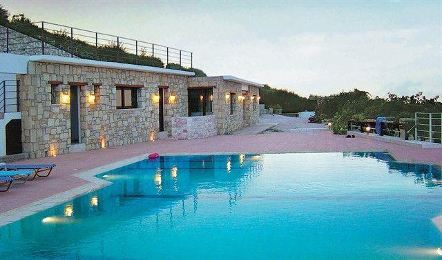 Nymphes Luxury Apartments - Ηράκλειο, Κρήτη ✦ 2 Ημέρες (1 Διανυκτέρευση) ✦ 2 άτομα ✦ Χωρίς Πρωινό ✦ 01/08/2021 έως 31/08/2021 ✦ Υπέροχη Τοποθεσία!