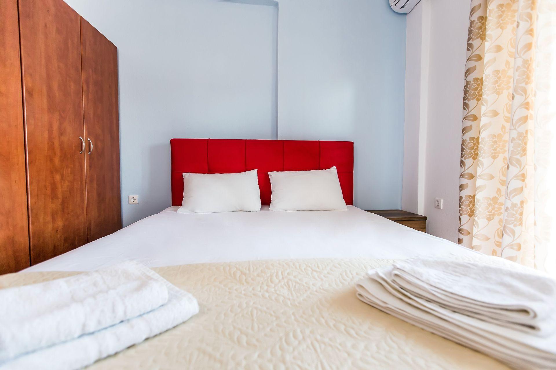 Greek Pride Villa Ellada - Παραλία Φούρκας, Χαλκιδική ✦ 4 Ημέρες (3 Διανυκτερεύσεις) ✦ 2 άτομα + 1 παιδί έως 11 ετών ✦ Χωρίς Πρωινό ✦ 01/07/2021 έως 31/07/2021 ✦ Μπροστά στην παραλία!