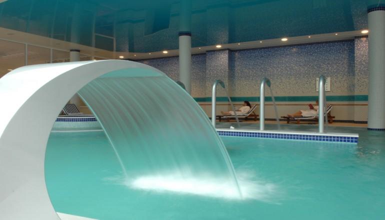 Προσφορά Ekdromi - ALL INCLUSIVE στο 4 αστέρων Thermae Platystomou Resort & Spa για όλο το Καλοκαίρι ΚΑΙ για τις 3 ημέρες / 2 διανυκτερεύσεις KAI για τα 2 Άτομα ΚΑΙ 2 Πα...