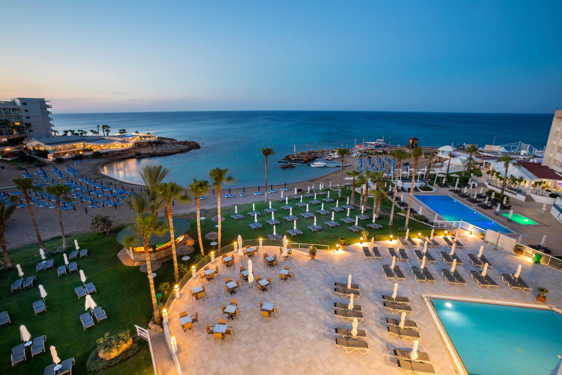 4* Infinity Blu – Designed for adults - Κύπρος ✦ -7% ✦ 4 Ημέρες (3 Διανυκτερεύσεις) ✦ 2 άτομα ✦ Πρωινό ✦ 01/08/2021 έως 31/08/2021 ✦ Μπροστά στην παραλία!