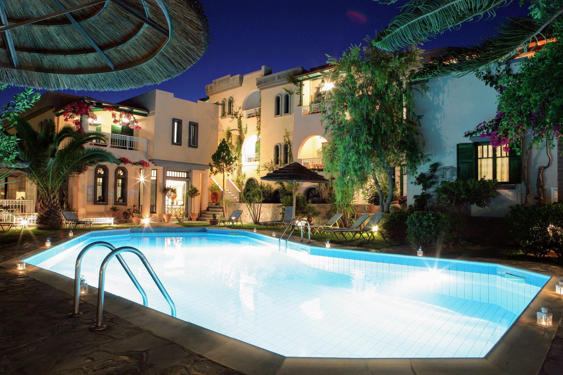 4* Aquarius Exclusive Apartments - Ηράκλειο, Κρήτη ✦ 2 Ημέρες (1 Διανυκτέρευση) ✦ 2 άτομα + 1 παιδί έως 6 ετών ✦ Πρωινό ✦ 01/07/2021 έως 31/08/2021 ✦ Μπροστά στην παραλία!