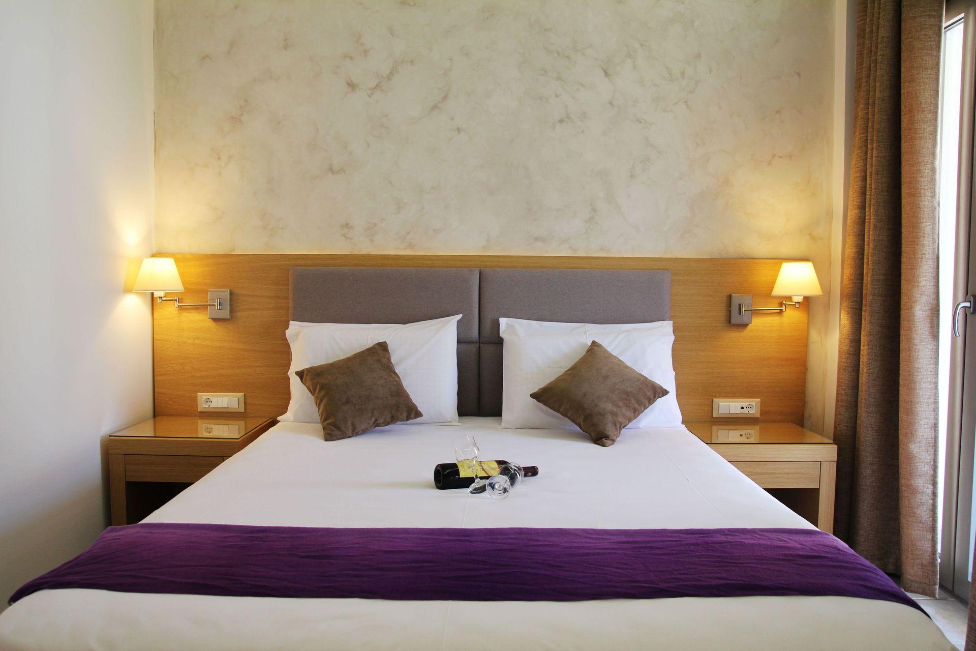 Achilles Hotel Methoni - Μεθώνη, Μεσσηνία ✦ 3 Ημέρες (2 Διανυκτερεύσεις) ✦ 2 άτομα ✦ Πρωινό ✦ 01/09/2021 έως 18/09/2021 ✦ Κοντά στη παραλία!