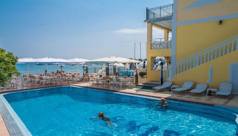 Αποδραστε στην Ζακυνθο στο 4 αστερων Denise Beach Hotel για 4 ημερες / 3 διανυκτερευσεις KAI για τα 2 Άτομα, με Ημιδιατροφη (Πρωινο και Βραδινο σε Μπουφε) σε Studio, επανω στο Κυμα! Υπαρχει δυνατοτητα επιπλεον διανυκτερευσεων!