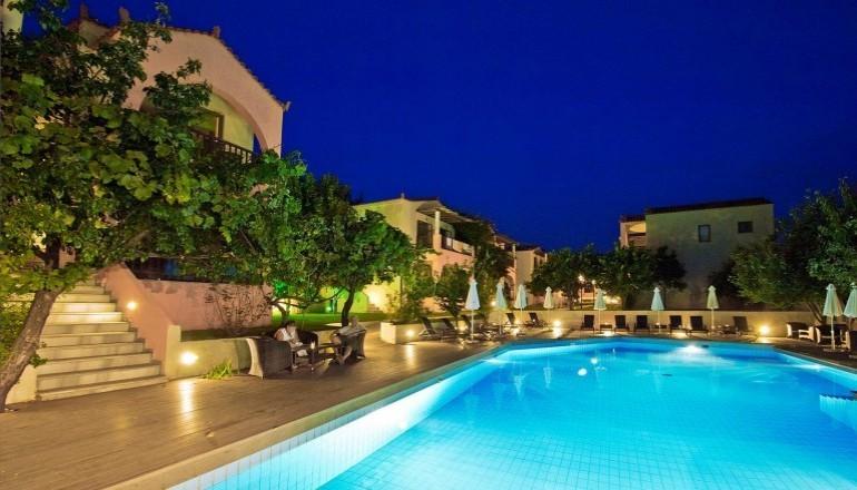 ALL INCLUSIVE στη Σκόπελο στο Rigas Hotel του Ομίλου Spyrou Hotels & Companies ΚΑΙ για τις 3 ημέρες / 2 διανυκτερεύσεις ΚΑΙ για τα 2 Άτομα ΚΑΙ 2 Παιδιά, ένα έως 12 ετών και ένα έως 2 ετών, σε Ευρύχωρο Studio, μόνο με 289€ από 578€ (Έκπτωση 50%)! Προσφέρεται Πρωινό και Βραδινό σε Μπουφέ, Μεσημεριανό σε μορφή snack, Απεριόριστη Κατανάλωση σε Καφέ, Τσάι, Αναψυκτικά, Χυμός, Ούζο, Μπύρα και Κρασί! Παρέχονται Welcome drinks, 2 ξαπλώστρες και ομπρέλα στην βραβευμένη με Γαλάζια Σημαία παραλία του Πανόρμου καθώς και Early check in και Late check out κατόπιν διαθεσιμότητας! Παρέχονται 2 Antistress Head Massages στο 5 αστέρων Skopelos Holiday Hotel and Spa! Δίδεται 35% έκπτωση στα ακτοπλοϊκά εισιτήρια των επιβατών και 10% στα εισιτήρια των οχημάτων του ναύλου προς/από Σκόπελο! Υπάρχει δυνατότητα επιπλέον διανυκτέρευσης! εικόνα
