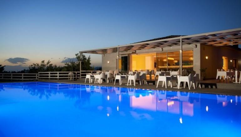139€ απο 278€ ( Έκπτωση 50%) ΚΑΙ για τις 3 ημερες / 2 διανυκτερευσεις ΚΑΙ για τα 2 Άτομα KAI ενα Παιδι εως 6 ετων με Ημιδιατροφη (Πρωινο σε Μπουφε και Μεσημεριανο η Βραδινο) στο Πευκι Ευβοιας, στο Altamar Hotel σε δικλινο δωματιο! Παρεχεται Early check in στις 10:00 και Late check out στις 18:00 για να απολαυσετε 3 γεματες ημερες και να μαγευτειτε απο το καταπρασινο τοπιο! Υπαρχει δυνατοτητα επιπλεον διανυκτερευσης! Διατιθεται ειδικη πρ…