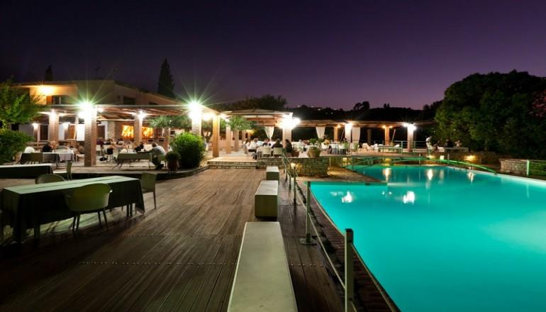Πασχα στο 4 αστερων Olympic Village Hotel Resort & SPA, στην Αρχαια Ολυμπια! Απολαυστε 4 ημερες / 3 διανυκτερευσεις ΚΑΙ για τα 2 Άτομα ΚΑΙ ενα Παιδι εως 12 ετων, με Ημιδιατροφη (Πρωινο σε Μπουφε και Βραδινο) σε δικλινο δωματιο, μονο με 349€ απο 698€ ( Έκπτωση 50%)! Ανημερα του Πασχα παρεχεται Εορταστικο Παραδοσιακο Menu! Προσφερεται μια Ελευθερη εισοδος στο Spa με Jacuzzi, Hamam, Sauna Dry & Wet κατα ατομο για το συνολο της διαμονης!
