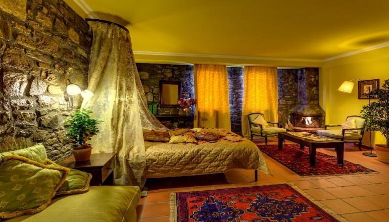 55€ από 110€ (Έκπτωση 50%) ΚΑΙ για τις 2 ημέρες / 1 διανυκτέρευση ΚΑΙ για τα 2 Άτομα σε δίκλινο δωμάτιο με Πρωινό στο Esperides Spa Hotel στη Νάουσα! Για ένα Παιδί έως 2 ετών η διαμονή είναι δωρεάν! Παρέχεται μία χρήση της Sauna ή Υδρομασάζ ή Hammam ή Tepidarium καθώς και Early check in στις 10:00 και Late check out στις 16:00 για να απολαύσετε 2 ημέρες σε μια από τις ομορφότερες πόλεις της Μακεδονίας! Υπάρχει δυνατότητα επιπλέον διανυκτερεύσεων! εικόνα