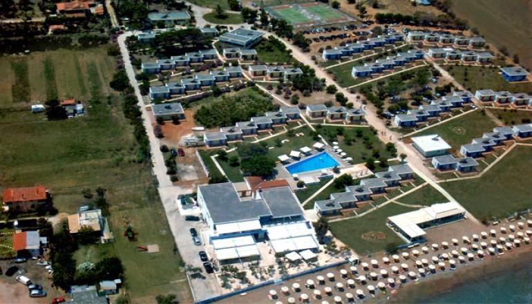 Προσφορά Ekdromi - ALL INCLUSIVE στην Λακόπετρα Αχαΐας, στο Ionian Beach Hotel επάνω στο κύμα KAI για τις 6 ημέρες / 5 διανυκτερεύσεις ΚΑΙ για τα 2 Άτομα KAI ένα Παιδί έ...