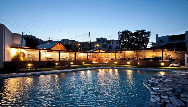 439€ απο 880€ ( Έκπτωση 50%) ΚΑΙ για τις 6 ημερες / 5 διανυκτερευσεις ΚΑΙ για τα 2 Άτομα KAI ενα Παιδι εως 12 ετων με Ημιδιατροφη (Πρωινο και Βραδινο σε Μπουφε), 5 λεπτα απο την χωρα της Τηνου στο Aeolos Bay Hotel σε δικλινο δωματιο! Παρεχεται Δωρεαν Mεταφορα απο και προς το Λιμανι κατα την αφιξη και την αναχωρηση καθως και Early check in και Late check out κατοπιν διαθεσιμοτητας! Aπολαυστε στιγμες ξεγνοιασιας και φιλοξενιας στο ομορφο …