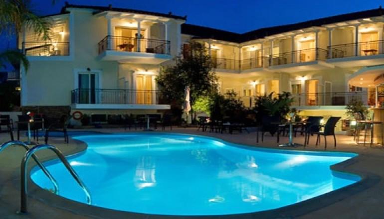 Αγίου Πνεύματος στη Μεσσηνία, στο Theoxenia Hotel 50m από τη Θάλασσα! Απολαύστε  hotels