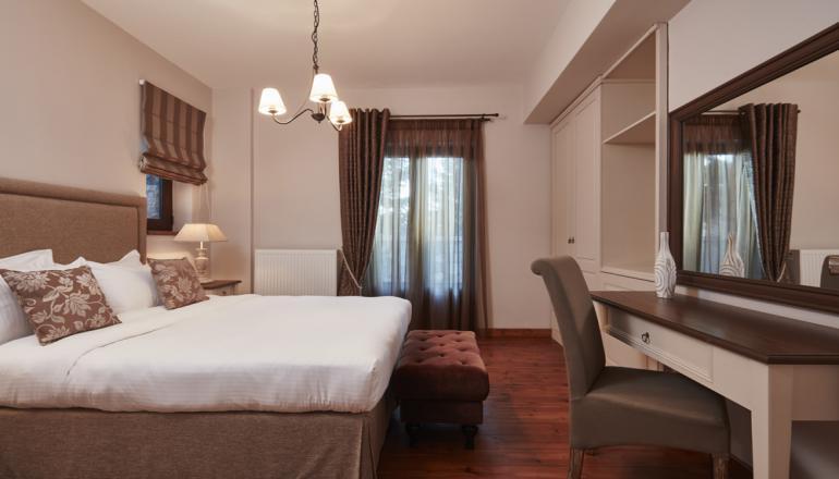 49€ απο 125€ ( Έκπτωση 61%) ΚΑΙ για τις 2 ημερες / 1 διανυκτερευση ΚΑΙ για τα 2 Άτομα ΚΑΙ ενα Παιδι εως 12 ετων στην Ορεινη Αρκαδια, σε Residence with Mountain View με Πλουσιο Παραδοσιακο Πρωινο στο Nefeles Luxury Residence & Lounge, στις παρυφες του Μαιναλου με θεα το Ελατοδασος! Παρεχεται Early check in στις 10:00 και Late Check out στις 16:00! Υπαρχει δυνατοτητα επιπλεον διανυκτερευσεων! Η προσφορα ισχυει ΚΑΙ για του Αγιου Πνευματος!