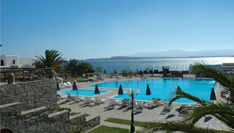Προσφορά Ekdromi - ALL INCLUSIVE στο 4 αστέρων Karma Porto Paros Hotel KAI για τις 4 ημέρες / 3 διανυκτερεύσεις KAI για τα 2 Άτομα KAI 2 Παιδιά, ένα έως 12 ετών και ένα ...