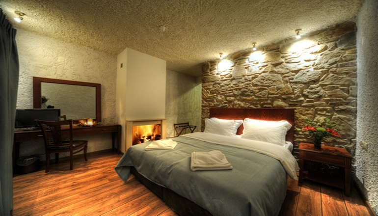 128€ από 256€ ( Έκπτωση 50%) KAI για τις 3 ημέρες / 2 διανυκτερεύσεις ΚΑΙ για τα 2 Άτομα σε Superior δίκλινο δωμάτιο με Τζάκι και Πρωινό σε Μπουφέ, στην Oρεινή Καστοριά στο Hotel 1450! Για ένα Παιδί έως 3 ετών η διαμονή είναι δωρεάν! Προσφέρεται χειροποίητο Λικέρ για καλωσόρισμα! Παρέχονται Ξύλα για το Τζάκι καθώς και Early check in και Late check out κατόπιν διαθεσιμότητας! Απολαύστε 3 ημέρες ηρεμίας στον όμορφο προορισμό! Διατίθεται ειδική προσφορά ΚΑΙ για τα Χριστούγεννα, την Πρωτοχρονιά και τα Φώτα! εικόνα