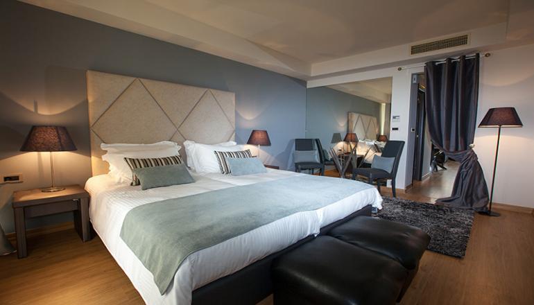 69€ από 138€ ( Έκπτωση 50%) ΚΑΙ για τις 2 ημέρες / 1 διανυκτέρευση ΚΑΙ για τα 2 Άτομα ΚΑΙ ένα Παιδί έως 12 ετών, στο 4 αστέρων Golden Suites & Spa σε Junior Suite με Πρωινό, στα Ιωάννινα! Παρέχεται Δωρεάν χρήση Sauna, καθώς και Early check in και Late check out κατόπιν διαθεσιμότητας για να απολαύσετε 2 ημέρες πολυτέλειας και ηρεμίας! Υπάρχει δυνατότητα επιπλέον διανυκτερεύσεων! εικόνα
