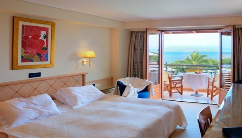 99€ από 210€ ( Έκπτωση 53%) ΚΑΙ για τις 2 ημέρες / 1 διανυκτέρευση ΚΑΙ για τα 2 Άτομα KAI ένα Παιδί έως 7 ετών, στο 5 αστέρων Negroponte Resort στην Ερέτρια, με Ημιδιατροφή (Πρωινό και Βραδινό), σε Deluxe δίκλινο δωμάτιο με Θέα Θάλασσα! Προσφέρεται Welcome Drink, ένα Καλάθι με Φρούτα στο δωμάτιο, καθώς και Κοκτέιλ καλοσωρίσματος στο μπαρ του Ξενοδοχείου! Παρέχεται ξενάγηση στο Βραβευμένο Οινοποιείο ΑΒΑΝΤΙΣ με γευστική δοκιμή τεσσάρων ειδών κρασιού! Ελεύθερη χρήση του Πλήρως Εξοπλισμένου Γυμναστηρίου, των Γηπέδων Τένις, Μπάσκετ και Ποδοσφαίρου! Παρέχεται Late check out στις 18:00 για μια πολυτελή διήμερη εκδρομή! Υπάρχει δυνατότητα επιπλέον διανυκτερεύσεων! εικόνα