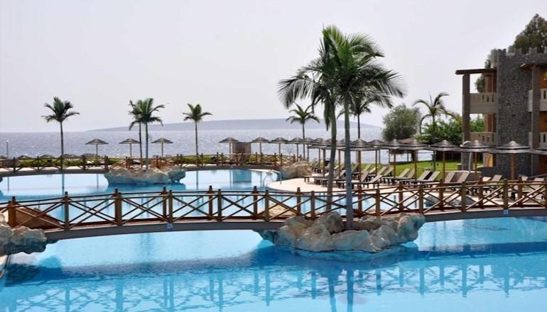 Προσφορά Ekdromi - 223€ από 447€ ( Έκπτωση 50%) ΚΑΙ για τις 3 ημέρες / 2 διανυκτερεύσεις ΚΑΙ για τα 2 Άτομα ΚΑΙ ένα Παιδί έως 12 ετών στο 5 αστέρων Κandia's Castle Hotel...