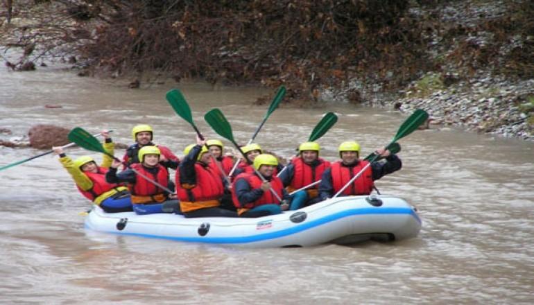 79€ απο 168€ (έκπτωση 53%) rafting ποταμο ταυρωπο, ξεναγηση και περιηγηση μοναστηρι προυσσου, πεζοπορια