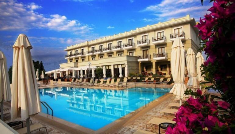 Πασχα στο 4 αστερων Danai Hotel & Spa, στην Κατερινη Πιεριας! Απολαυστε 4 ημερες / 3 διανυκτερευσεις KAI για τα 2 Άτομα ΚΑΙ ενα Παιδι εως 12 ετων, με Ημιδιατροφη (Πρωινο και Βραδινο σε Μπουφε) σε δικλινο δωματιο, μονο με 295€ απο 590€ ( Έκπτωση 50%)! Προσφερεται Αναστασιμο Δειπνο και ανημερα του Πασχα Μεζεδακια, Τσιπουρο και Παραδοσιακο ελληνικο γλεντι! Παρεχεται ενα Μπουκαλι Κρασι για καλωσορισμα, ελευθερη χρηση του Υδρομασαζ, Sauna κα…