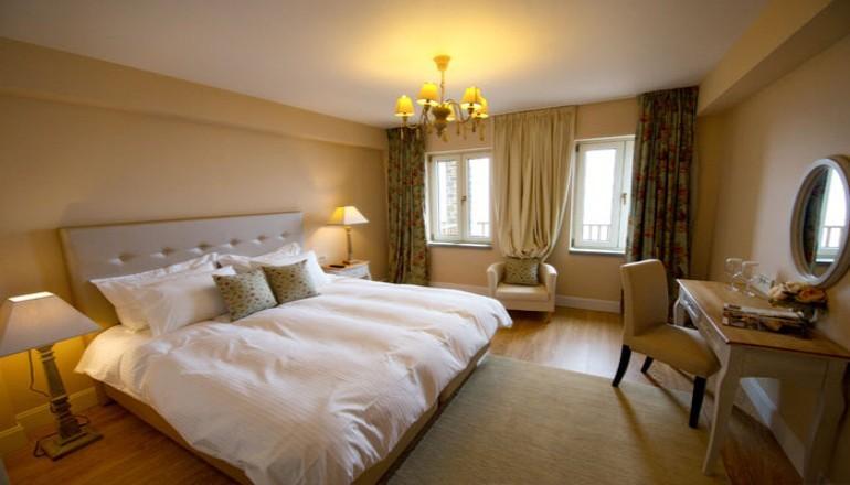 149€ από 298€ (Έκπτωση 50%) ΚΑΙ για τις 3 ημέρες / 2 διανυκτερεύσεις ΚΑΙ για τα 2 Άτομα KAI ένα Παιδί έως 6 ετών στα Ιωάννινα, σε Executive Suite με θέα στη Λίμνη και Πρωινό με τοπικά σπιτικά προιόντα στο δωμάτιο, στο MIR Luxury Boutique Hotel! Προσφέρεται γλυκό καλωσορίσματος! Παρέχεται Early check in στις 10:00 και Late check out στις 18:00 για να απολαύσετε 3 γεμάτες ημέρες! Υπάρχει δυνατότητα επιπλέον διανυκτέρευσης! Η προσφορά ισχύει ΚΑΙ για την 25η Μαρτίου! εικόνα