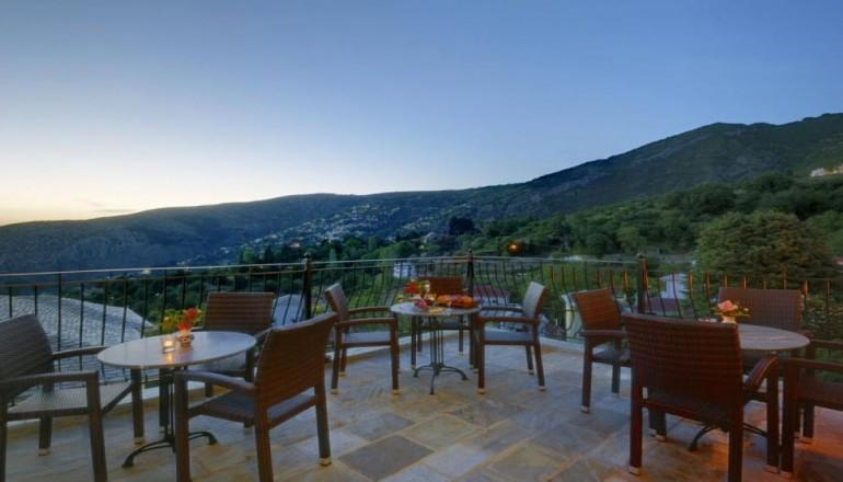 Erofili Four Seasons Hotel - Πήλιο - 109€ από 218€ ( Έκπτωση 50%) KAI για τις 3 ημέρες / 2 διανυκτερεύσεις ΚΑΙ για τα 2 Άτομα στην Πορταριά Πηλίου, σε δίκλινο δωμάτιο με Πλούσιο Πρωινό στο Erofili Four Seasons Hotel! Για ένα Παιδί έως 3 ετών η διαμονή είναι δωρεάν! Για όσους πραγματοποιήσουν τη διαμονή τους από Κυριακή έως Πέμπτη δίδεται μια επιπλέον διανυκτέρευση Δωρεάν με Πρωινό για να απολαύσετε 4 ημέρες! Υπάρχει δυνατότητα επιπλέον διανυκτέρευσης!