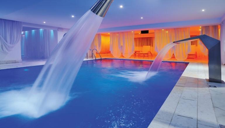 Προσφορά Ekdromi - 230€ από 460€ ( Έκπτωση 50%) ΚΑΙ για τις 3 ημέρες / 2 διανυκτερεύσεις ΚΑΙ για τα 2 Άτομα ΚΑΙ ένα Παιδί έως 12 ετών, στο 5 αστέρων Grand Serai Hotel το...