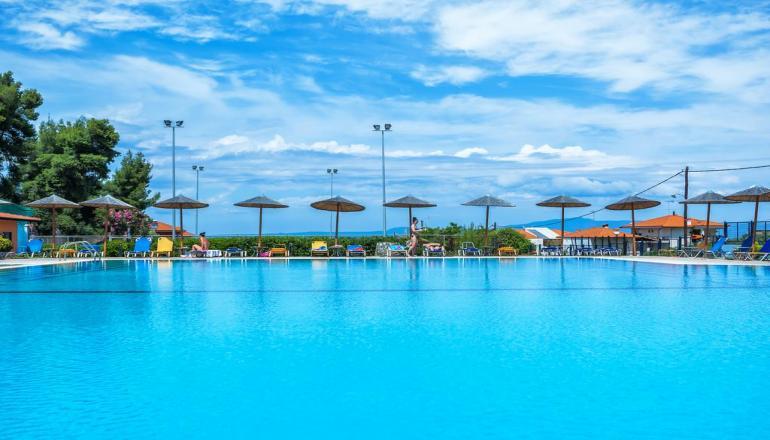 4* Atrium Hotel - Χαλκιδική ? -45% ? 5 Ημέρες (4 Διανυκτερεύσεις) ? 2 άτομα + 2 παιδιά έως 12 ετών ? All Inclusive ? έως 30/09/2019 ? Δωρεάν ξαπλώστρες και ομπρέλες στην πισίνα!
