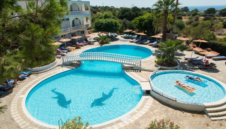ALL INCLUSIVE στο Pefkos Garden Hotel ΚΑΙ για τις 4 ημερες / 3 διανυκτερευσεις KAI για τα 2 Άτομα ΚΑΙ ενα Παιδι εως 12 ετων σε δικλινο δωματιο, στη Ροδο μονο με 336€ απο 480€ (Έκπτωση 30%)! Προσφερονται Πρωινο, Μεσημεριανο και Βραδινο σε Πλουσιο Μπουφε, διαφορα Σνακ κατα την διαρκεια της ημερας! Απεριοριστη καταναλωση σε αλκοολουχα και μη τοπικα ποτα, οπως μπυρα, χυμοι, νερο, αναψυκτικα, τσαι, καφες κατα την διαρκεια της ημερας! Υπαρχει…
