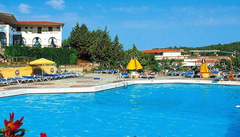 Αποδραστε στην Καλλιθεα Χαλκιδικης για 4 ημερες / 3 διανυκτερευσεις KAI για τα 2 Άτομα KAI ενα Παιδι εως 11 ετων με Ημιδιατροφη (Πρωινο και Βραδινο) σε δικλινο δωματιο, στο Macedonian Sun Hotel! Υπαρχει δυνατοτητα επιπλεον διανυκτερευσεων!