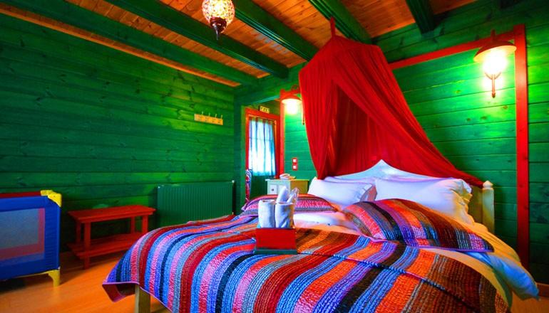 Το Σαλέ των Χρωμάτων - Μεσαία Τρίκαλα Κορινθίας ✦ -32% ✦ 3 Ημέρες (2 Διανυκτερεύ hotels